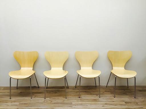 追加の椅子