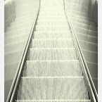 20120719-01-escalator-light.jpg
