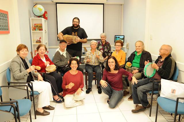 Grupo Historias do Meu Tempo Dra. Tania Guerreiro (blusa vinho)