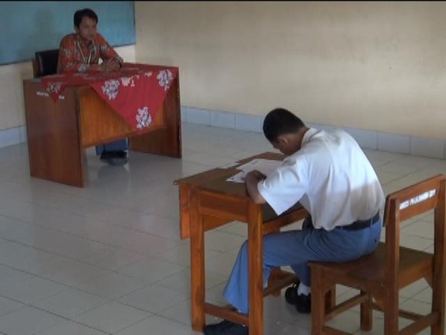 Misbahul Arif, Siswa SMA LB Perserta Tunggal UN
