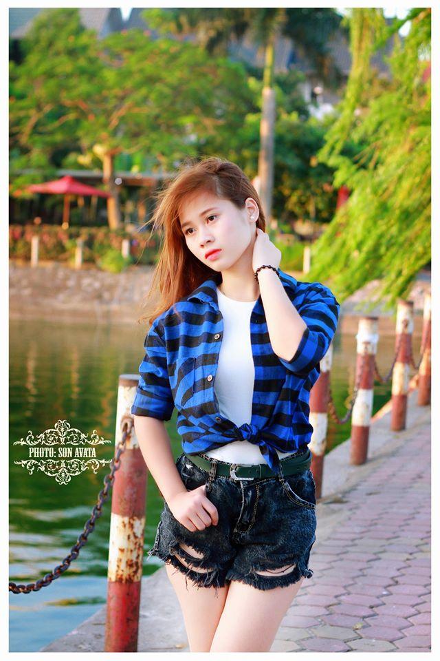 Nữ sinh trường THPT Trần Hưng Đạo - Hà Đông