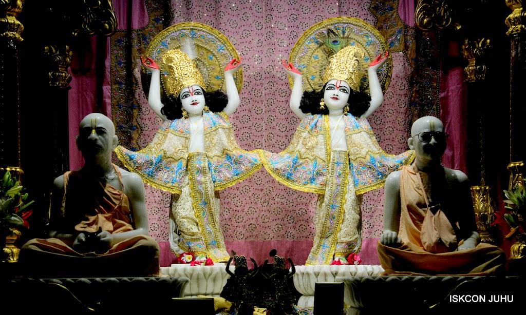 ISKCON Juhu Mangal Deity Darshan on 29th May 2016 (28)