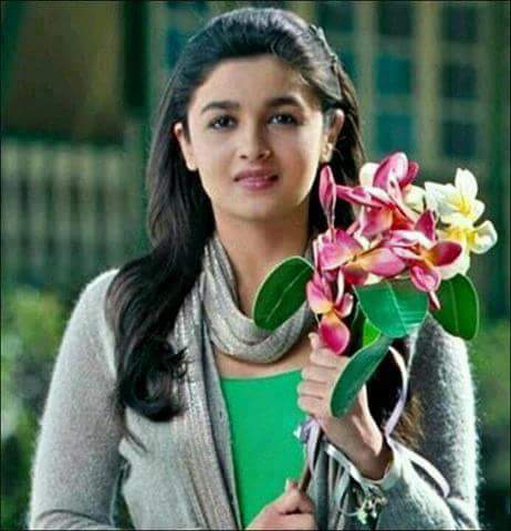 Alia Bhatt Dp Images for whatsapp Pinterest Facebook Instagram