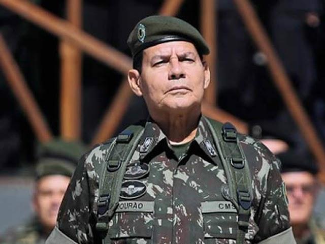 Vice presidente Mourão defende cultos e missas com distanciamento