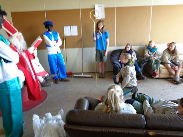 Sinterklaas op de scouts - 1 december 2013 - DSC00172.JPG