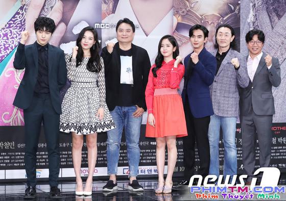 Yoo Seung Ho xấu hổ vì bắn tim quê mùa so với Kim So Hyun, L (Infinite) - Ảnh 8.