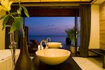 deluxe_watervilla_bath05.jpg