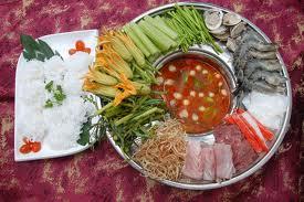 LẨU THÁI LAN Tom yum  hot pot  Soupe mode Thailandaise dans la fondue