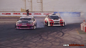 Toyota Soarer and Subaru Impreza in a drift battle.