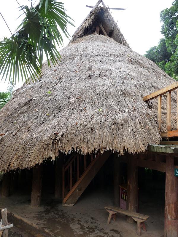 CHINE.YUNNAN.KUN MING Village des minorités 2 - P1270649.JPG