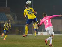 32 Zivkovic a levegőben.jpg