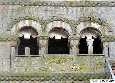 AUTREVILLE (88) - L'église paroissiale Saint-Brice (Extérieur)