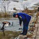 С определенными промежутками сотрудники МЧС измеряют уровень воды в Чекалине и отправляют сведения в диспетчерскую службу