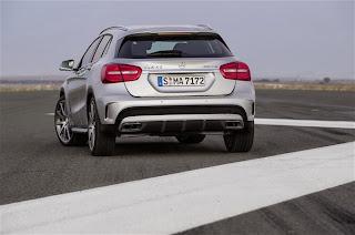 Mercedes-Benz GLA 45 AMG-2