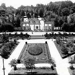 Головний вхід до парку культури (фото 1956-1960 рік).jpg
