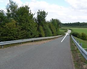 10k 7.4km, Keep straight over bridge