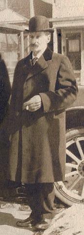 Copy of GOULD_H.Norman-MyDad w-parents-grandp-Mae&Val 1918-WashDC