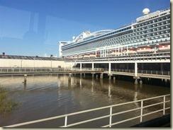 20151030_Carib Princess docked Charleston SC (Small)