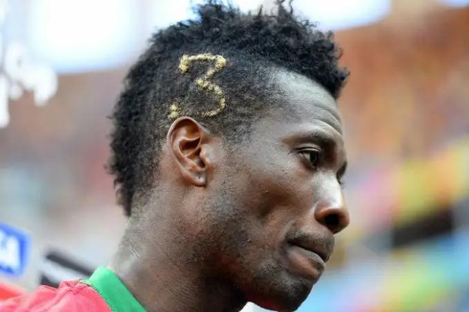 4. Asamoah Gyan dengan model rambut angka 3