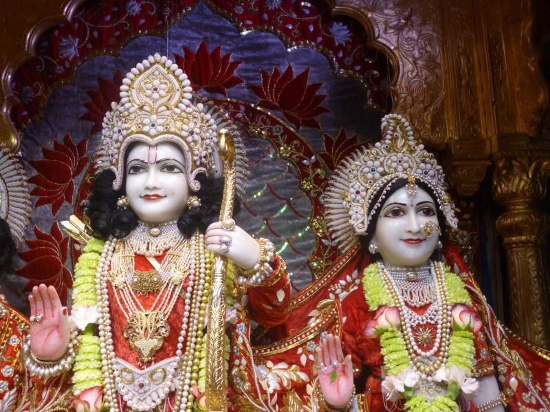 ISKCON Bhaktivedanta Manor Deity Darshan 18 Dec 2015 (5)
