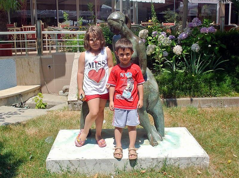 Intalnire cu femeia albaneza Putem gasi dragoste pe site- urile de dating