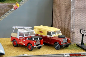 Land Rovers in train set