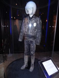 2018.01.07-004 costume original du T-1000 congelé
