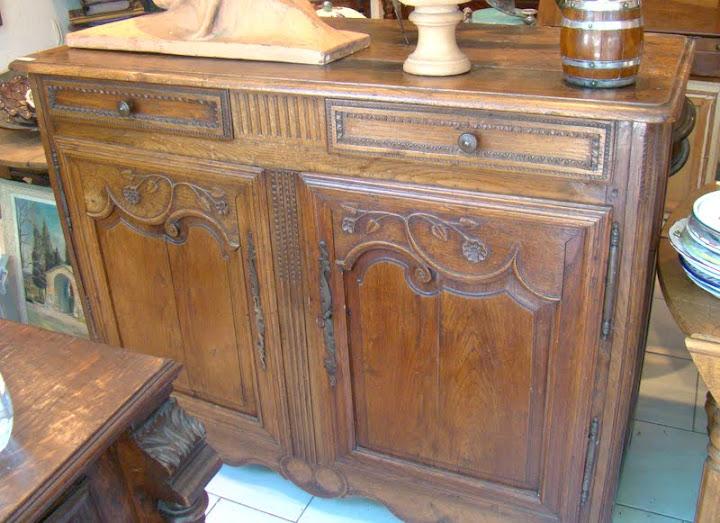 buffet ancien deux portes deux tiroirs en ch ne ebay. Black Bedroom Furniture Sets. Home Design Ideas
