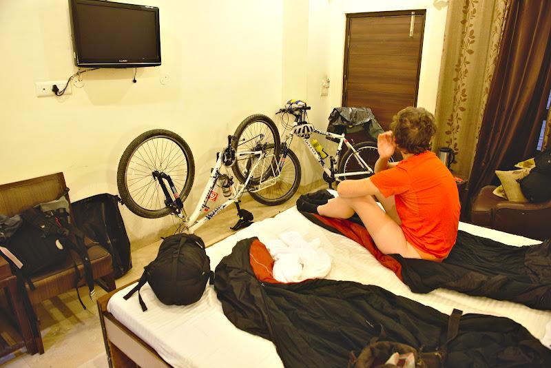 Camera de hotel gasita in mahalaua din Chandigahr.