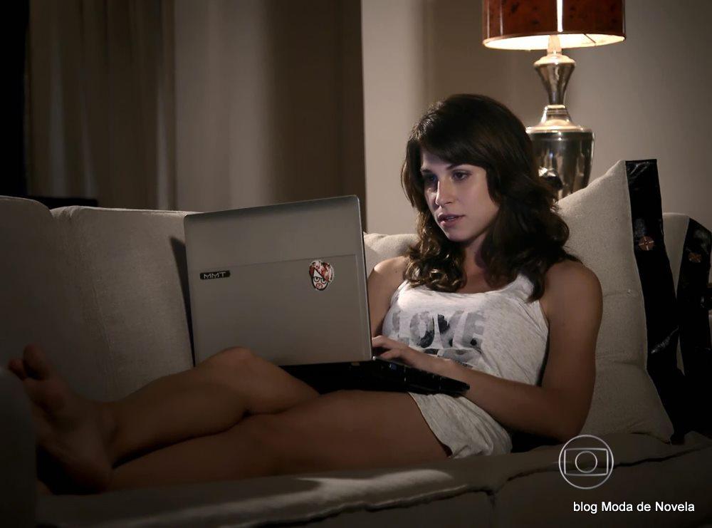 moda da novela G3R4Ç4O BR4S1L - look da Manuela dia 13 de maio