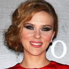 scarlett-johansson-updo-chic-formal-red.jpg
