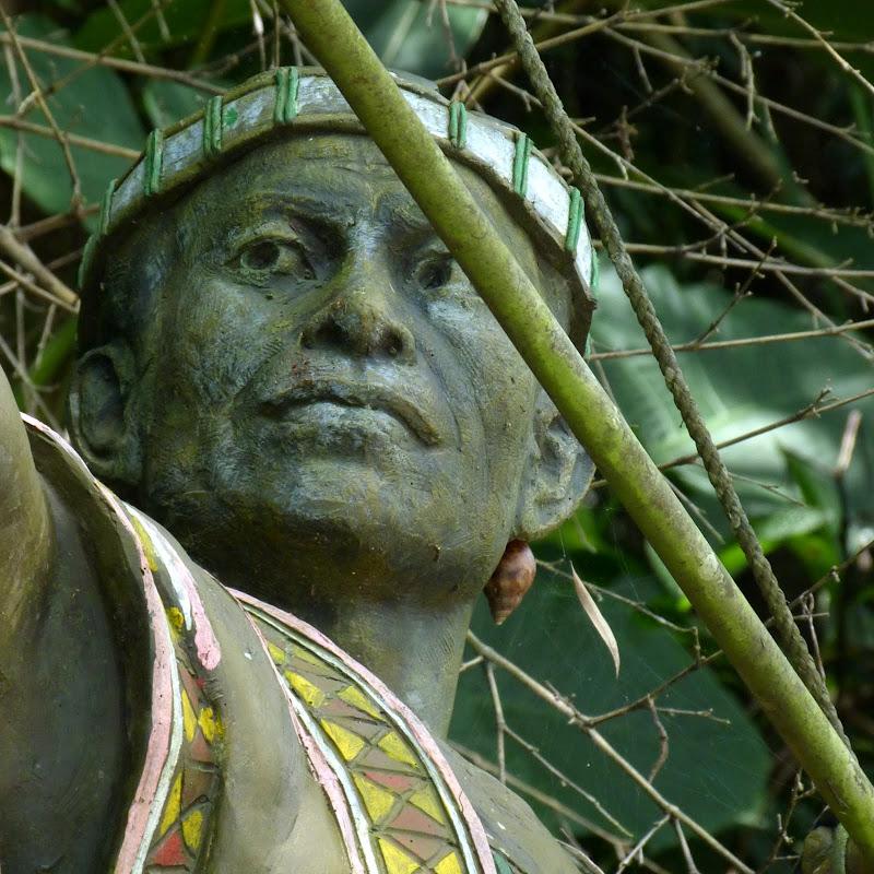 Puli  en passant , entre autres, par les villages de l ethnie Bunum de Loloko et Dili. J 10 - P1160865.JPG