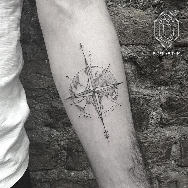 este_elegante_bssola_e_o_mundo_da_tatuagem