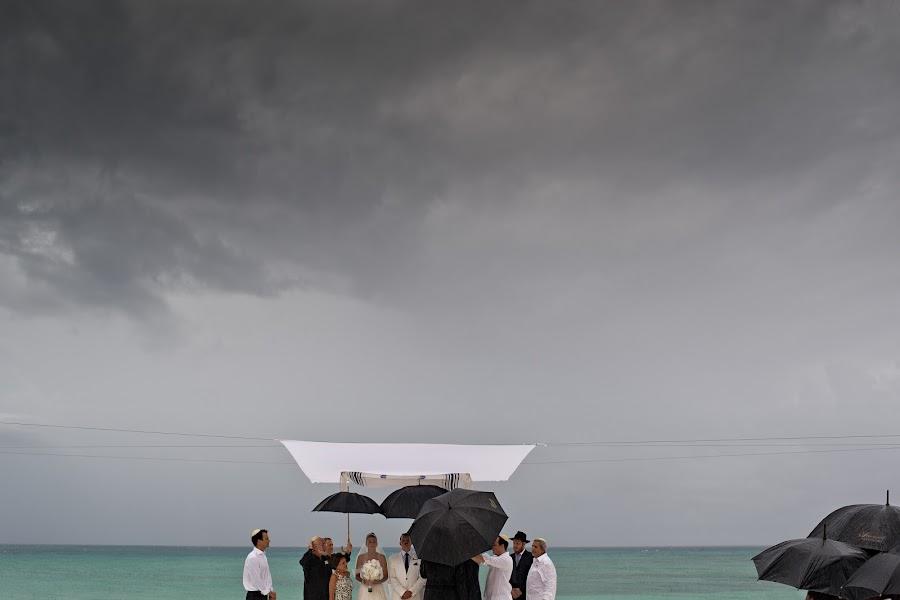 Wedding photographer Víctor Martí (victormarti). Photo of 13.03.2015