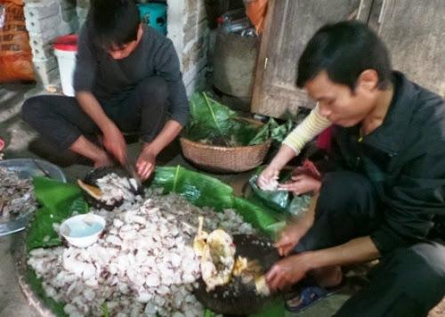 Độc đáo hương vị thịt chua người Dao