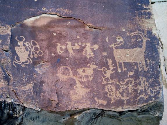 Petroglyphs near Pig Head Rock