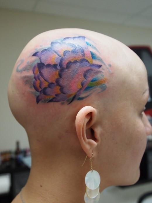 bald short hair girls tattoo in head women. Black Bedroom Furniture Sets. Home Design Ideas