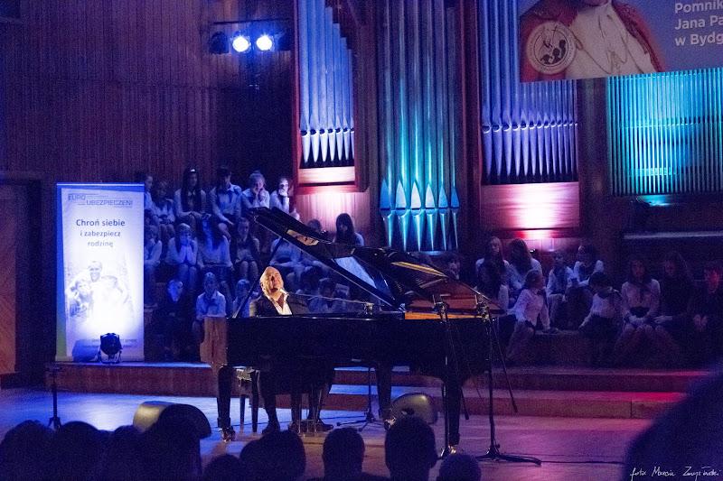 2014-10-23 - koncert Stanislawa Soyki i choru w Bydgoszczy w Filharmonii Pomorskiej Gwiazdy muzyki polskie i zagraniczne