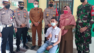 Vaksin Go To School, Dandim 0103 Aceh Utara Bersama Kapolres Lhokseumawe Beri Semangat dan Motivasi Kepada Pelajar