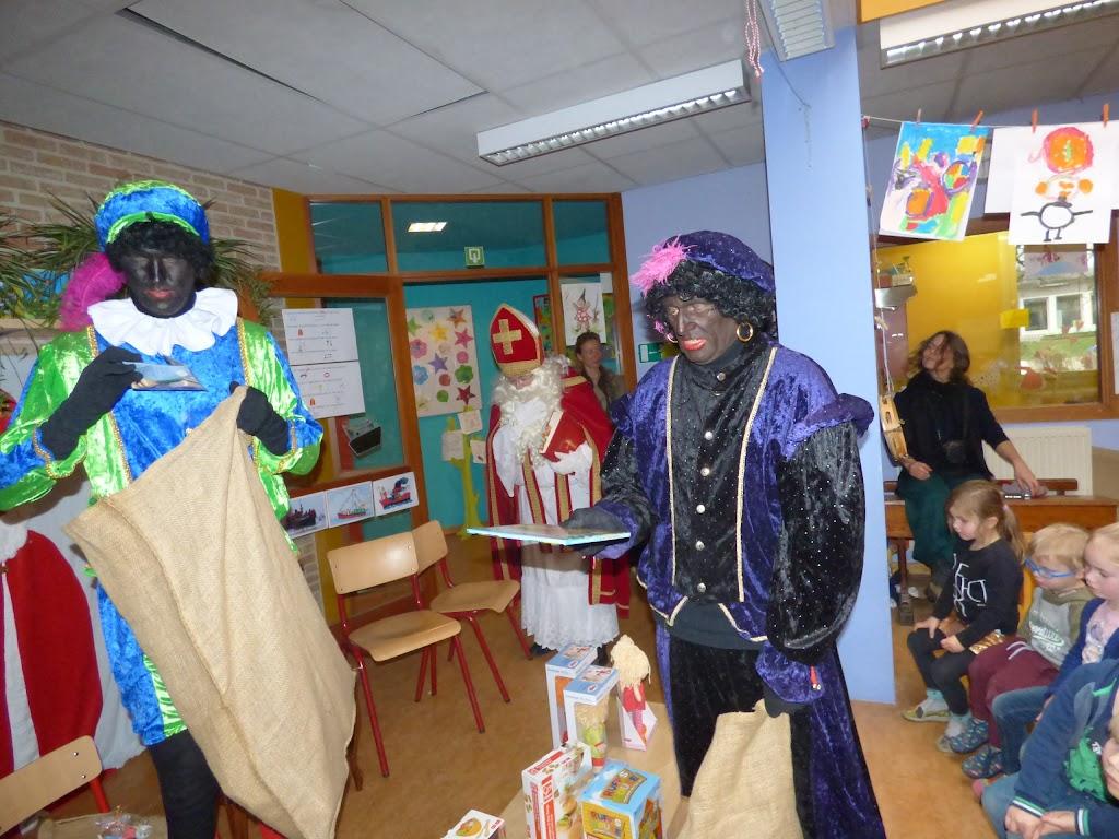 Sinterklaas op bezoek - P1060537.JPG