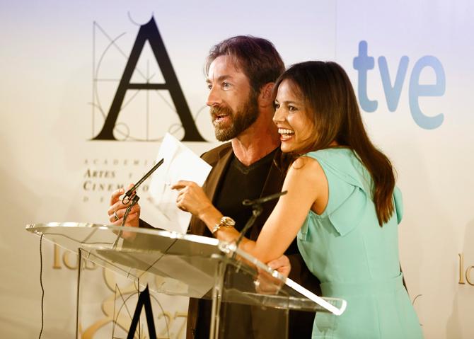 Antonio de la Torre y Elena Anaya durante la lectura de los finalistas