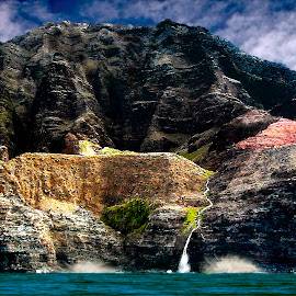 Na Pali Coast 9 Kauai by Joseph Vittek - Landscapes Mountains & Hills ( coast, mountain, ocean, hawaii, cliff, steep, kauai, island, pali, volcano )