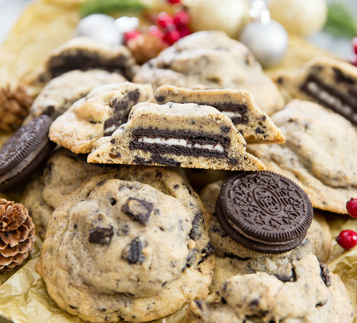 close-up photo of a pile of Oreo Stuffed Cookies and Cream Cookies