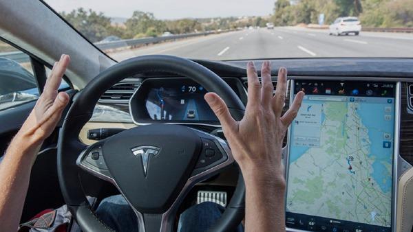 Tesla-Autopilot2