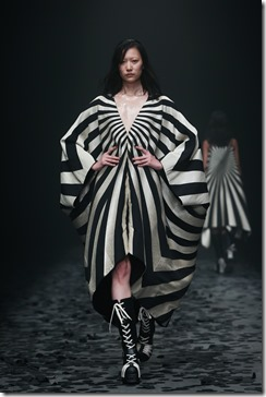 Mercedes-Benz China Fashion Week_GarethPugh11