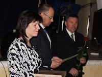 05 Bukor Erzsébet,Štefan Gregor,Bugyi István adta át az emlékplaketteket .JPG