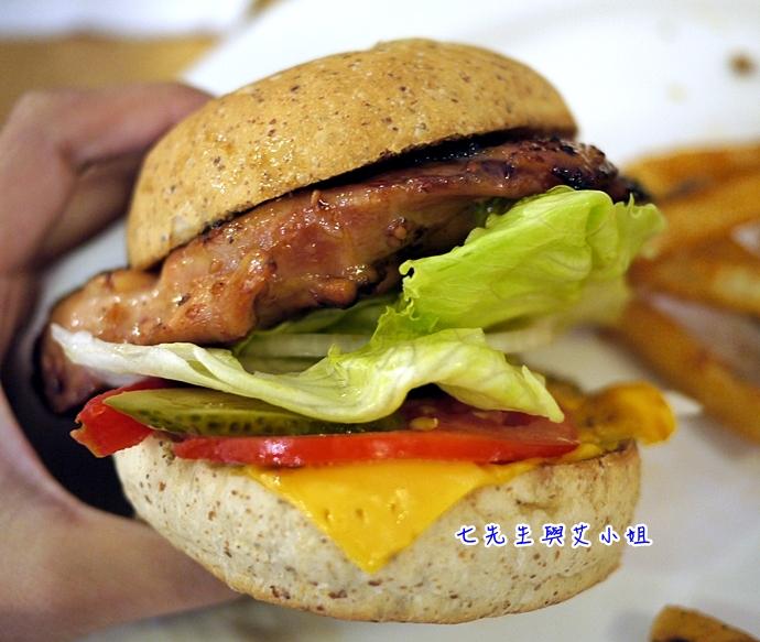 11 松山文創園區 PHAT Burger