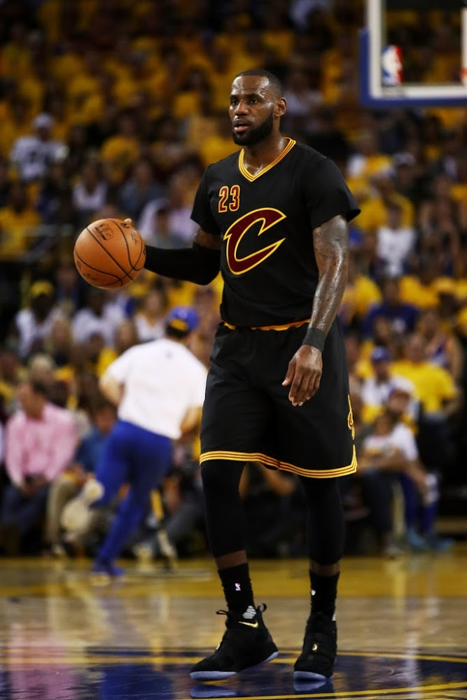 Black Sleeves and Soldiers Not Enough as Cavs Fall in Game 2 | NIKE LEBRON - LeBron James Shoes
