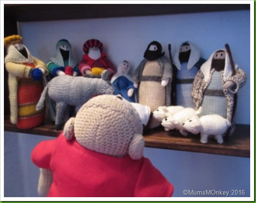 Knitted nativity.