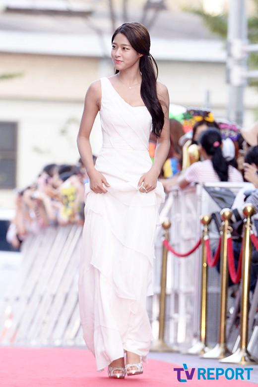 seol gown 29